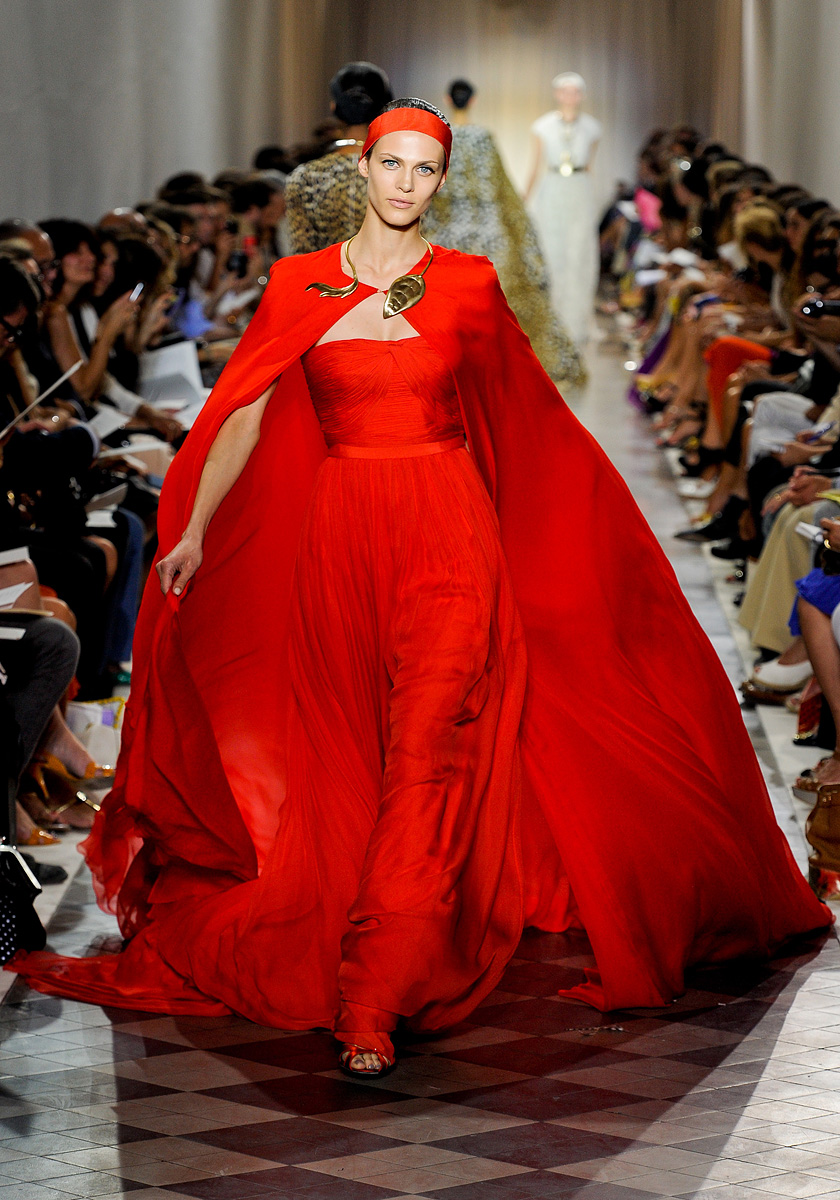 Valli girls for Haute couture red