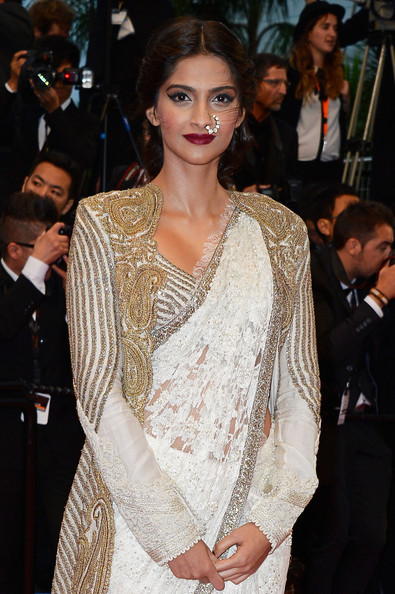 Sonam Kapoor at the Cannes 2013 Opening Ceremony on Exshoesme.com. Photo Pascal Le Segretain