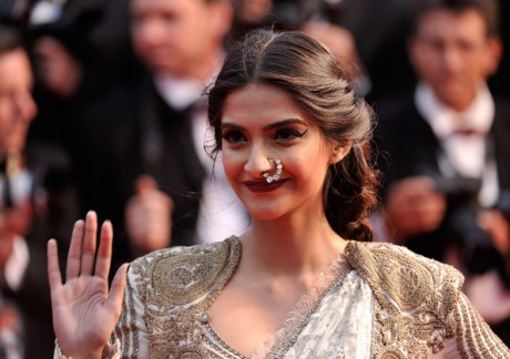 Sonam Kapoor's Jewellery at the Cannes 2013 Opening Ceremony on Exshoesme.com. Photo Gareth Cattermole