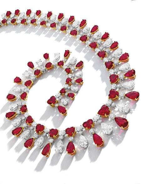 lot 1914 THE_RED_EMPEROR_Pigeon's_Blood_Ruby_adn_Diamond_Necklace,_rubies_total_104.51_ct